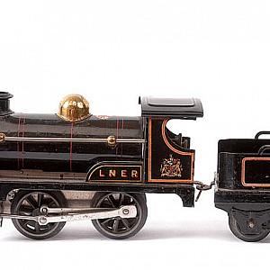Hornby-LNER-2710b